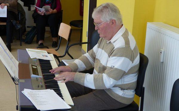 Singe Fest in der Begegnungsstätte Ostheim